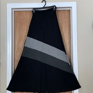 Black and gray maxi skirt